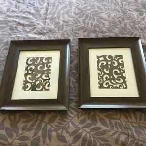 Set of 2 brown wall frames